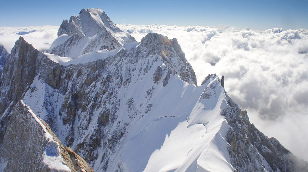 Alpine Ice and Mixed Climbing Holiday in Chamonix