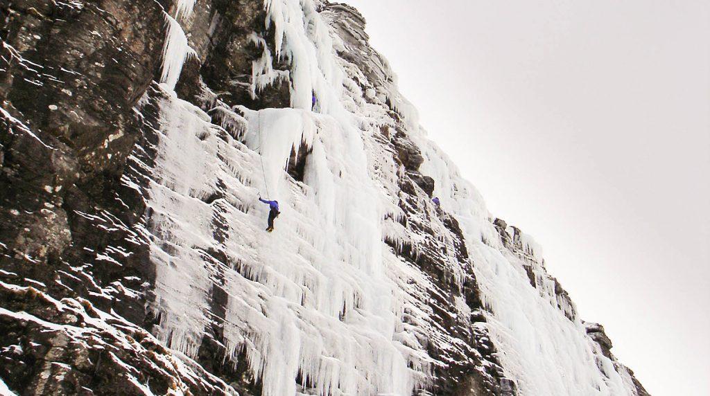 scottish winter ice climbing course