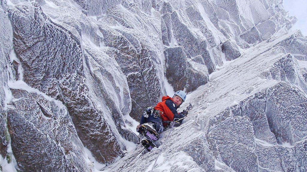 scottish winter mixed climbing course