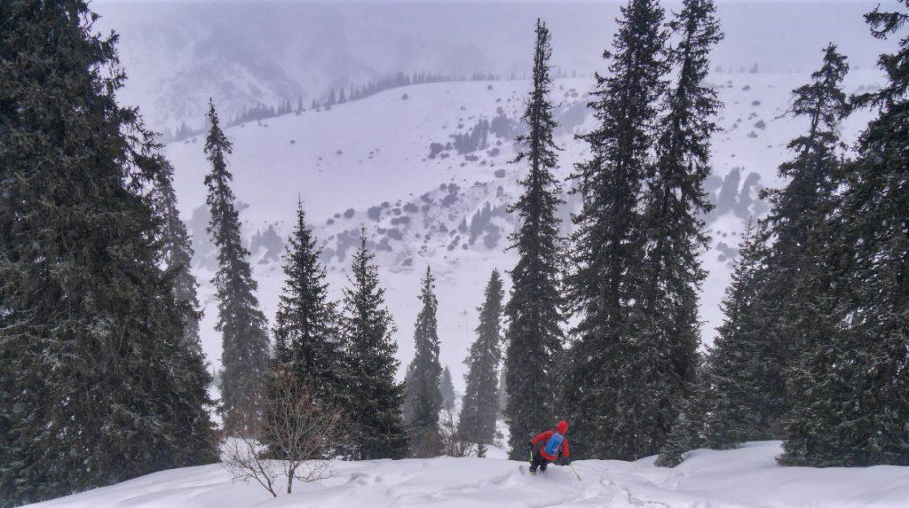 powder ski touring in kyrgyzstan