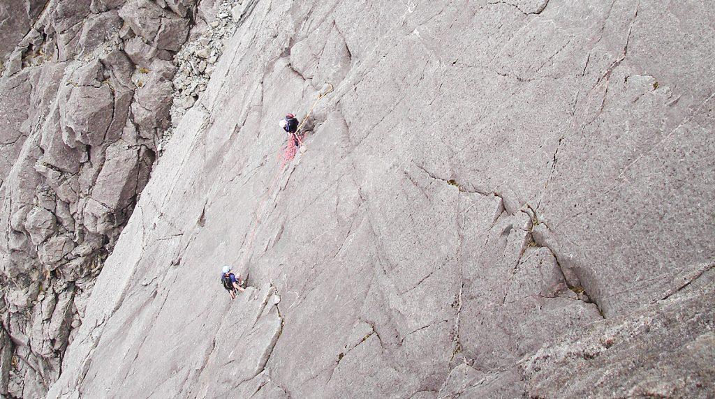 Skye Cuillin ridge rock climbing guide